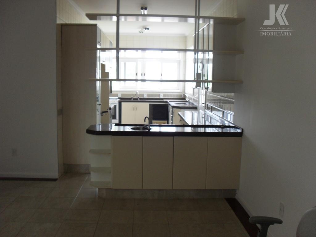 linda residencia, cômodos amplos, ótima área de lazer, maravilhoso condomínio fechado, com excelente segurança, imóvel possui...