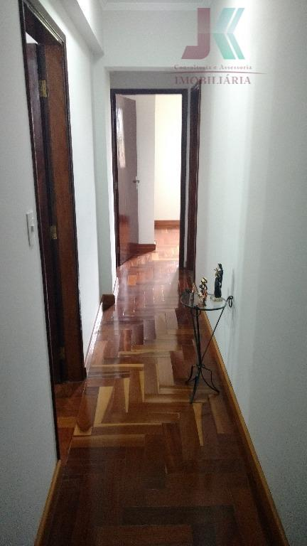 prédio residencial na rua principal da cidade, no centro, são 12 andares, dois apto por andar,...