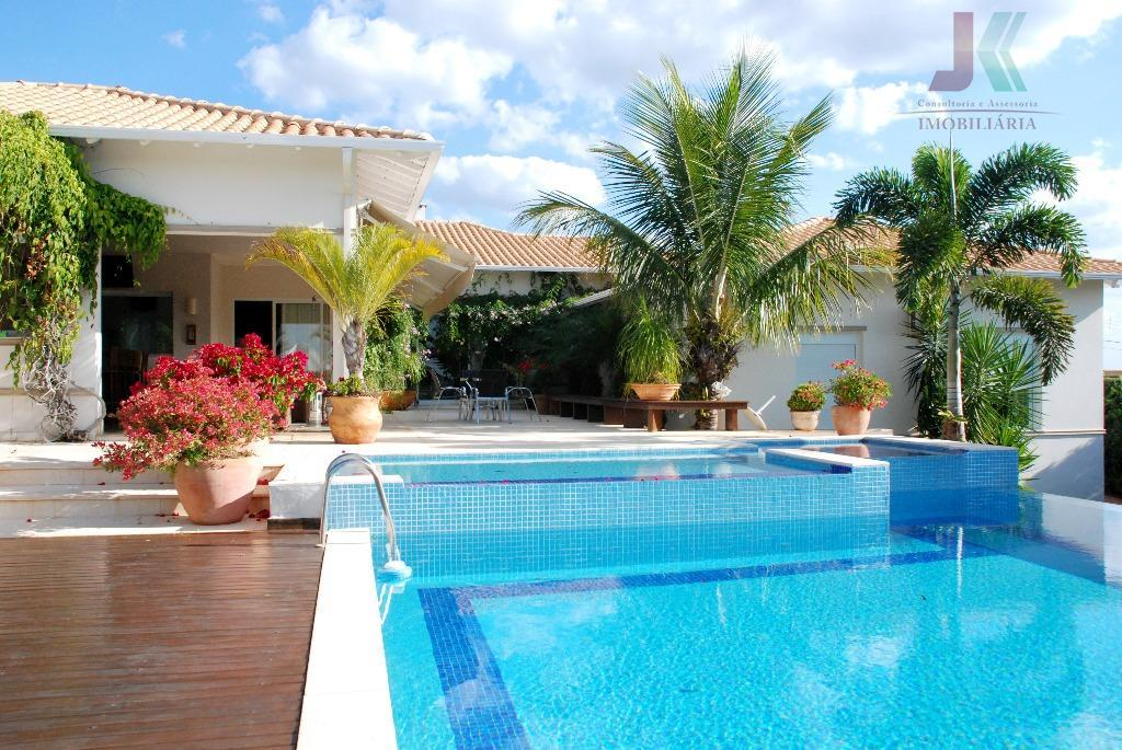 maravilhosa residencia, luxo, bom gosto e sofisticação, atrelado em um único imóvel, ambientes amplos e interligados,...
