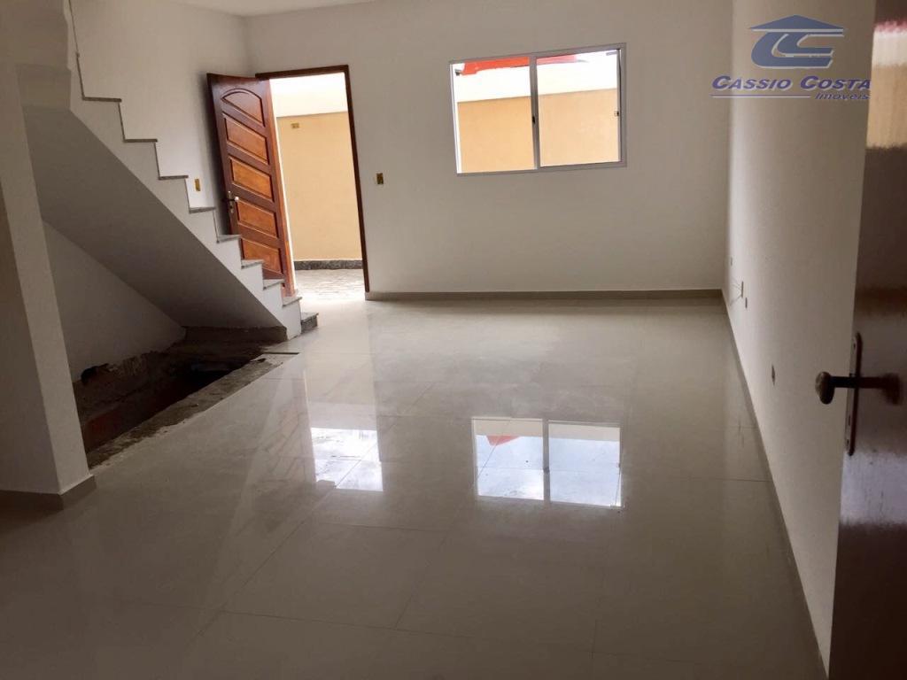sobrados em condomínio fechado na vila paranaguá, unidades com 65m² de área útil distribuídos conforme segue:piso...