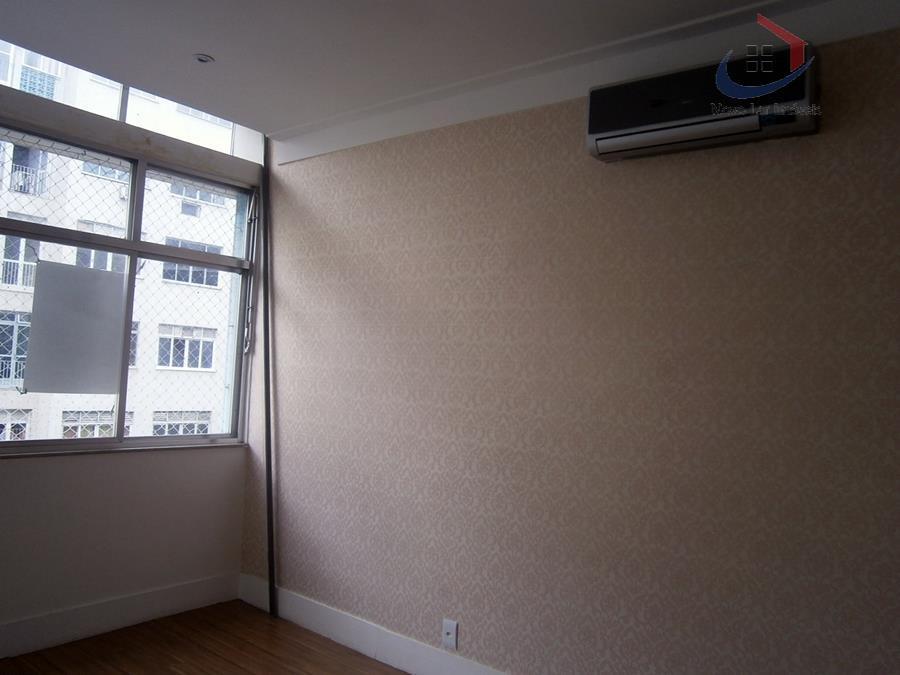 excelente apartamento 153m² no iptu e medições chegam em torno de 180², situado na rua barata...