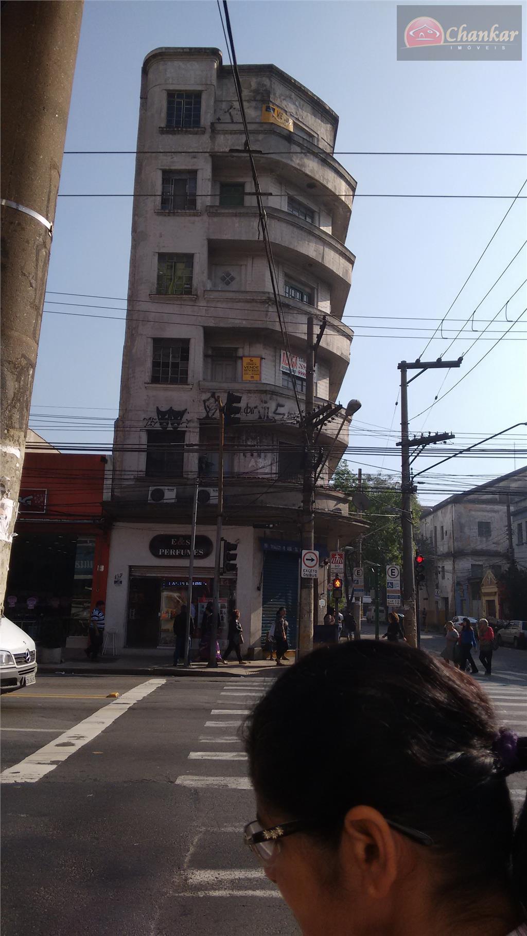 prédio com 2100 m2 ac - 6 pavimentos - 8 lojas no térreo - 17 apartamentos...