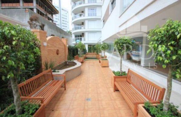 sensacional cobertura na avenida trompowsky. 324 m2 privativos. a hoepcke buscou inspiração no notável rio danúbio,...
