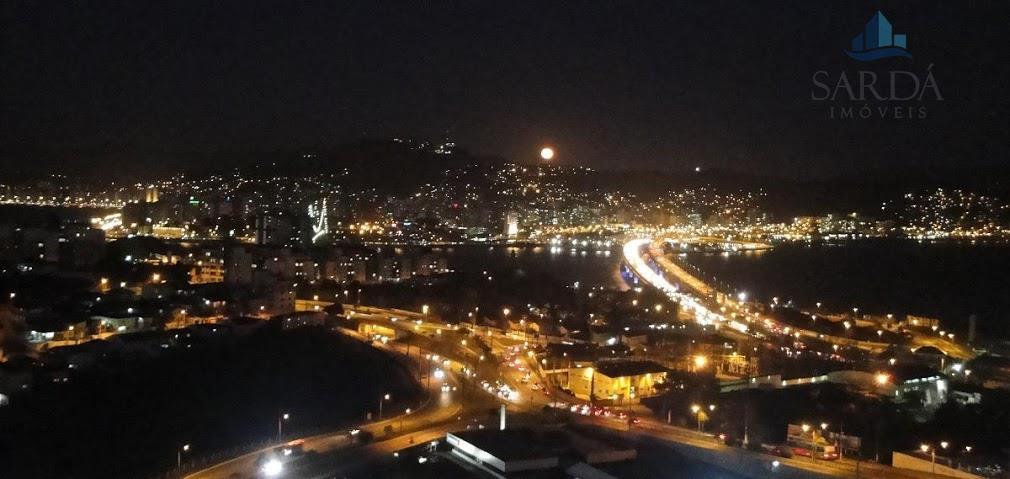 Vista para as Pontes e toda a Beira-Mar, Norte e Continental! Assista aos fogos de Réveillon de sua sacada!