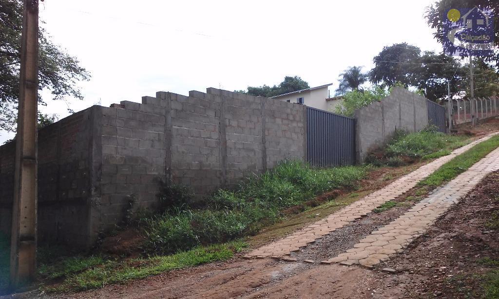 Terreno de 1.200 m² no Condomínio Carneiros