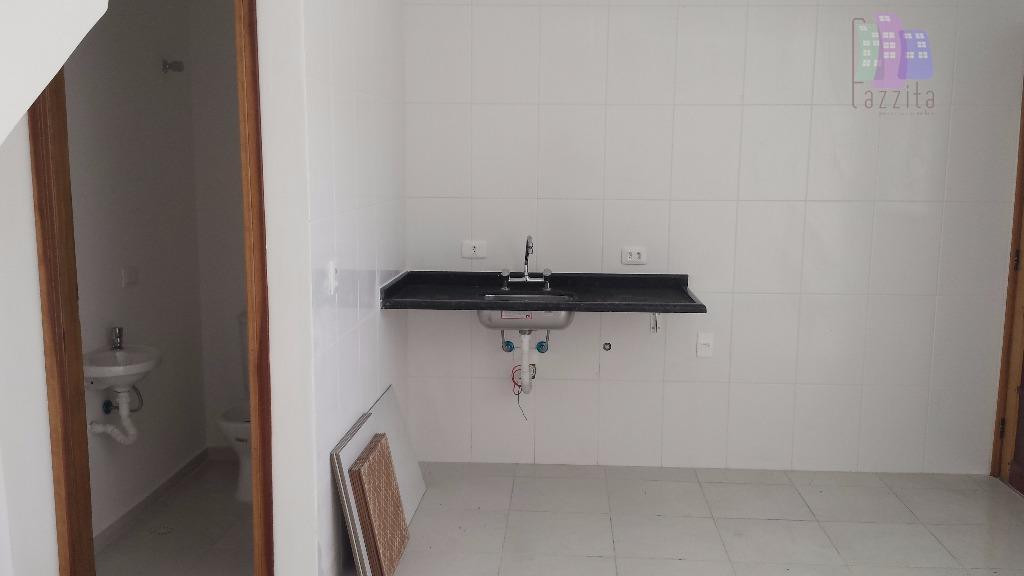 lançamentos de sobrados novos à venda próximo ao shopping aricanduva.com 2 suítes, lavabo e 2 vagas...