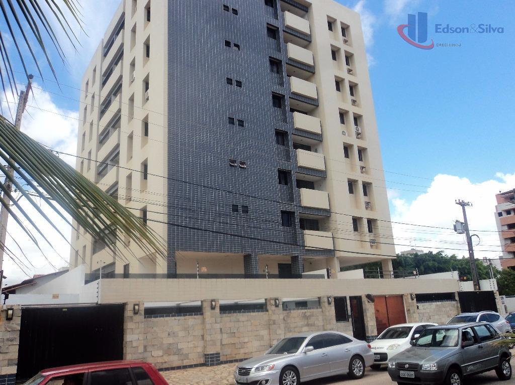 Apartamento residencial à venda, Intermares, Cabedelo - AP0255.
