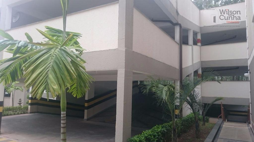 apartamento com 2 dormitórios e sala com piso laminado, cozinha, banheiro, área de serviço e 1...