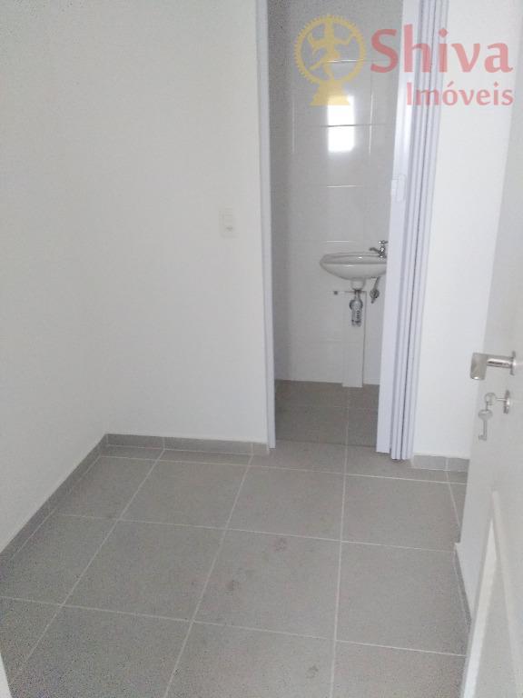 Dormitório de empregada com WC