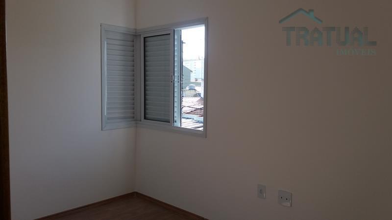 lindo sobrado, 3 dormitórios sendo 1 suíte com sacada, sala 2 ambientes, cozinha espaçosa, 5 vagas...