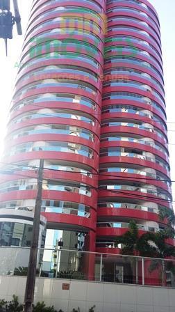 Apartamento de alto padrão no Meireles!