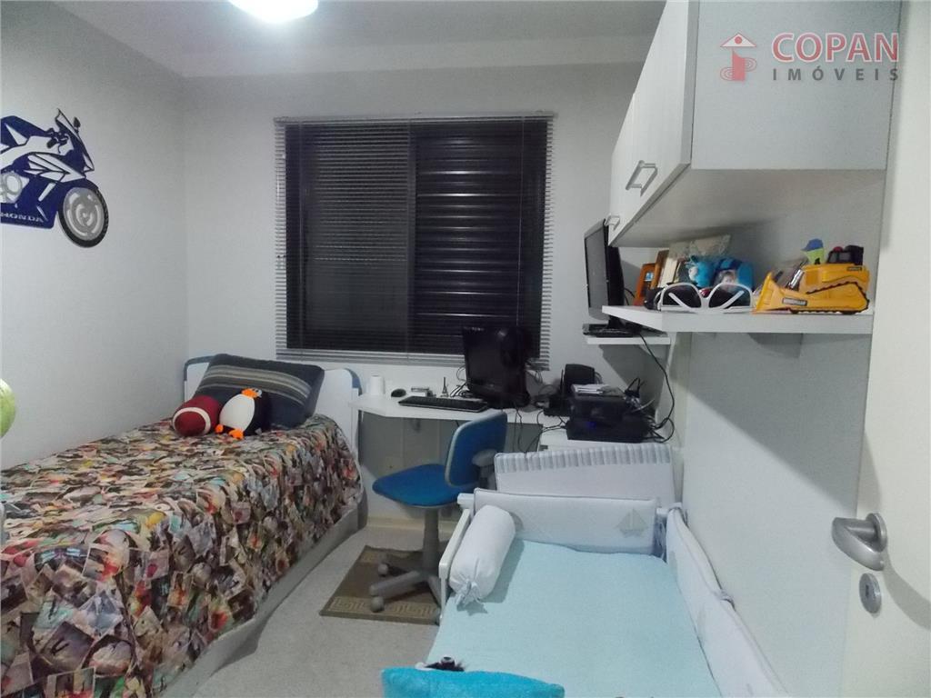 2 dorms sendo 1 suíte, 2 vagas privativas, churrasqueira, piscina adulto e criança, playground, quadra, sala...