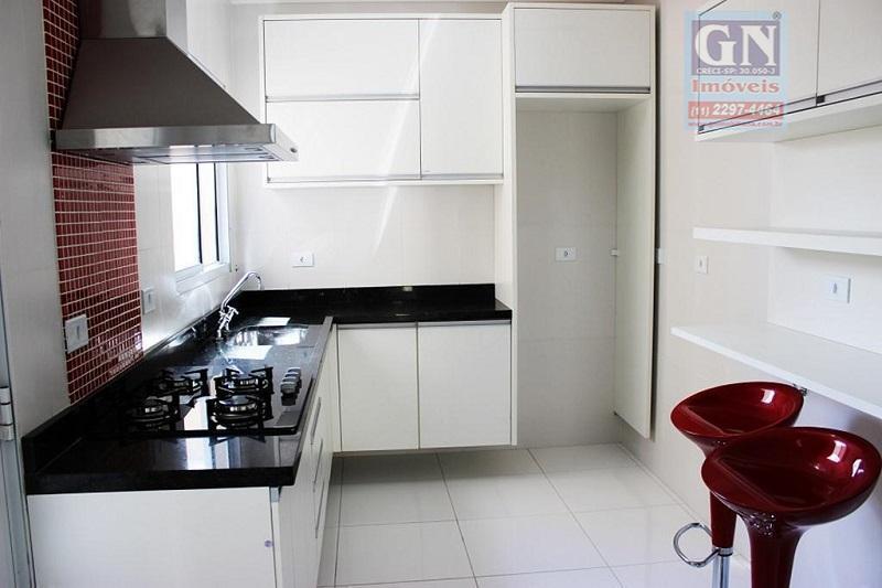 vende-se linda casa tríplex em condomínio, alto padrão, de 210,00 m², com 04 dormitórios amplos, 01...