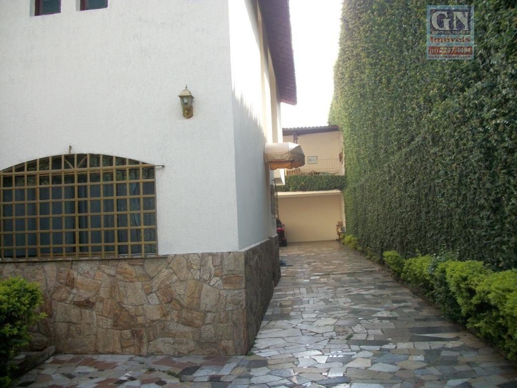 Vende-se ou aluga-se excelente Sobrado em terreno de 300 m² (10 X 30), 264 m² de área construída, Parque Santa Rita