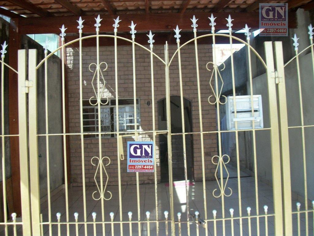 Vende-se excelente sobrado com 03 dormitórios na Vila Rosaria