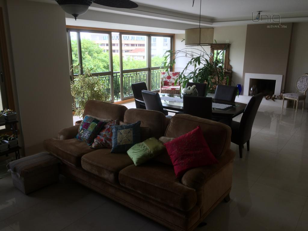 Apartamento de 3 dormitórios à venda em Moinhos De Vento, Porto Alegre - RS