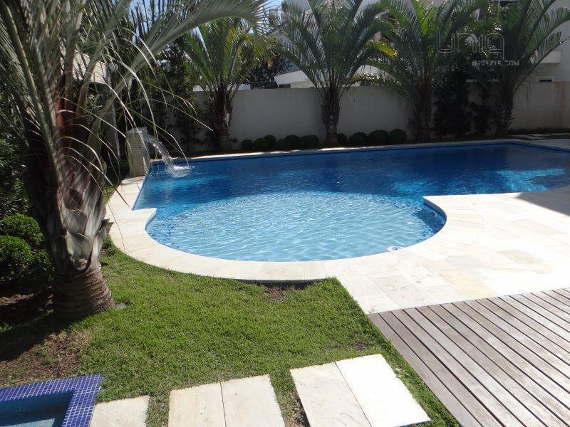 Casa de 6 dormitórios em Jurerê Internacional, Florianópolis - SC