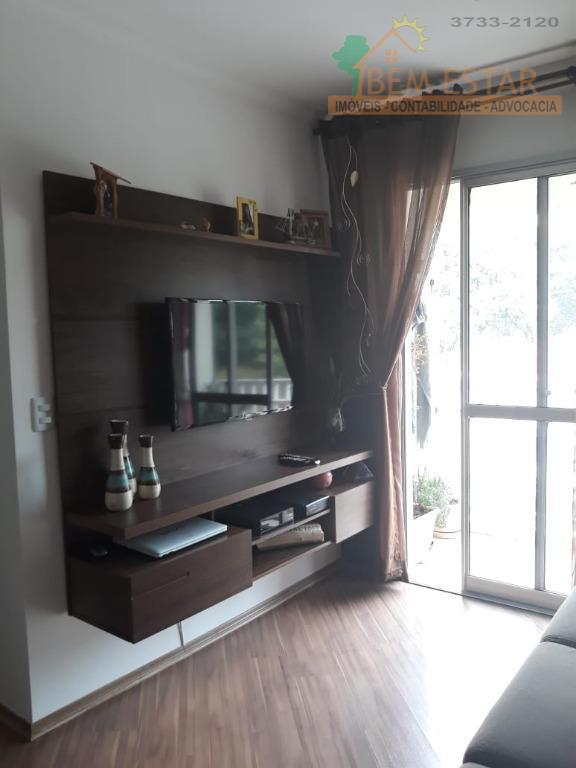 Apartamento com 3 dormitórios à venda, 63 m² por R$ 340.000