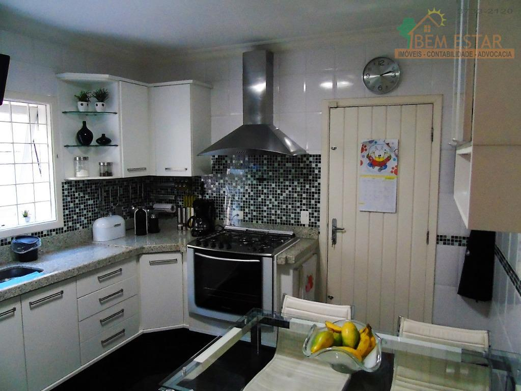 lindo sobrado a venda!composto por 3 suítes, 2 salas, cozinha planejada, garagem com 3 vagas.próximo ao...