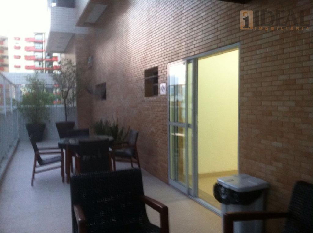 vazio2 dormitorios/suites grandes, piso carpete laminado, armarios embutidos.wc suites com gabinete.sala 2 ambientes, piso porcelanato,sacada mobiliavel...