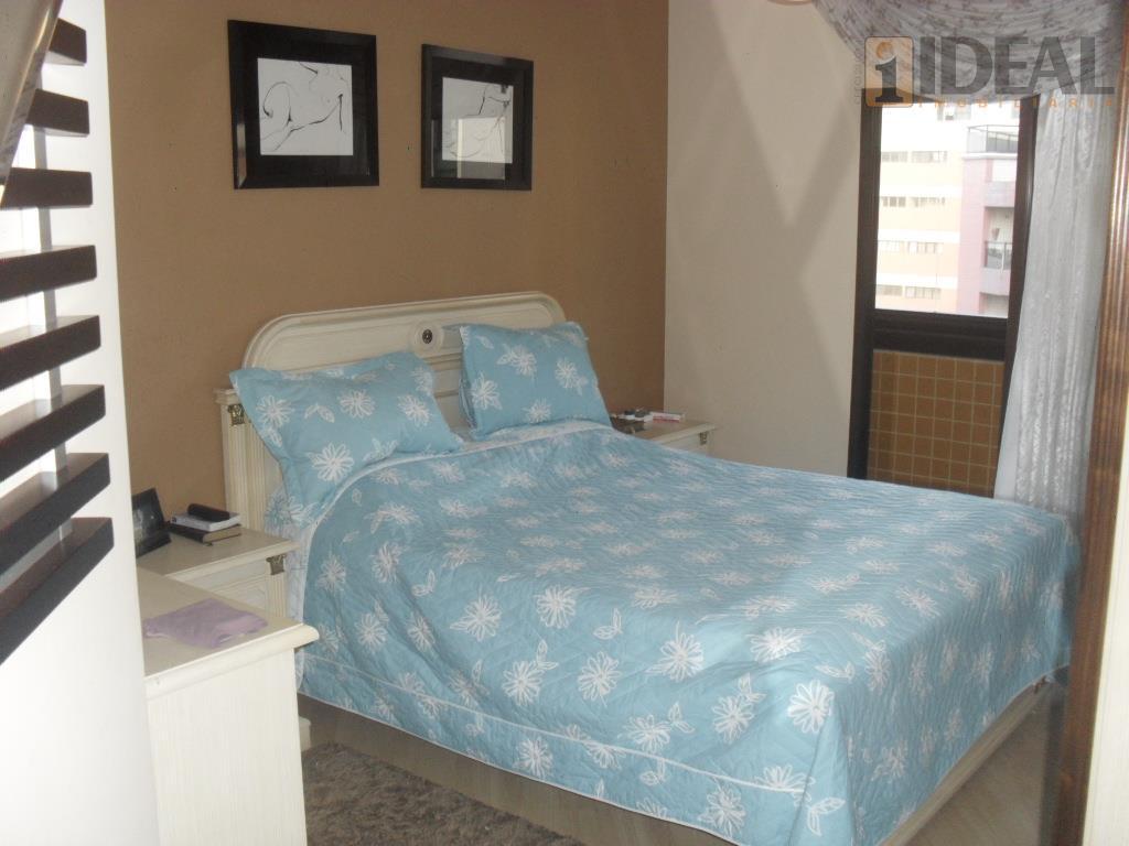 excelente imóvel, meia quadra da praia, com 3 dormitórios, sendo 3 suítes, closet, varanda, dependência de...
