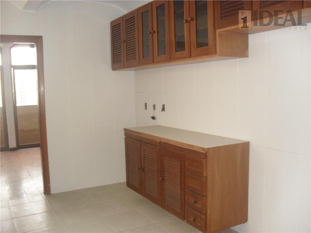 apartamento com 4 dormitórios, 1 suíte, sacada, 2 salas, piso em tábua (ipê), closet, dependência completa...