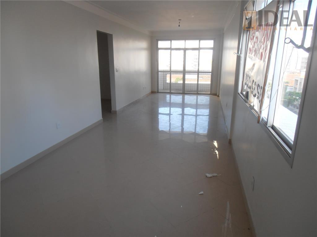 ótimo apto frente útil133m² -3 dormitórios com 1 suíte e pisos em porcelanato-sala para 2 ambientes...