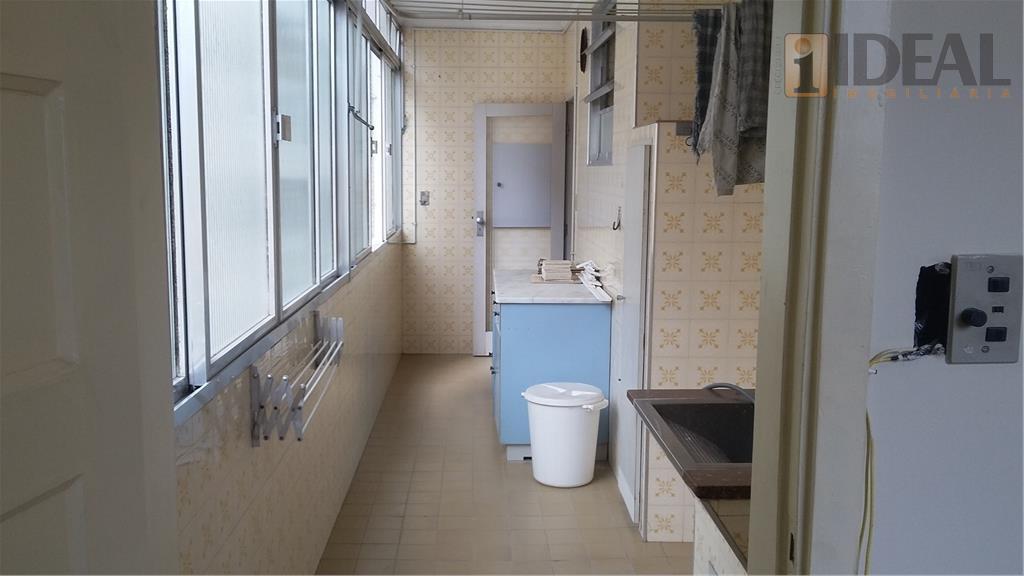 apartamento amplo de 3 dormitórios c/ armários sendo 1 suíte, sala ampla de frente p/a 3...