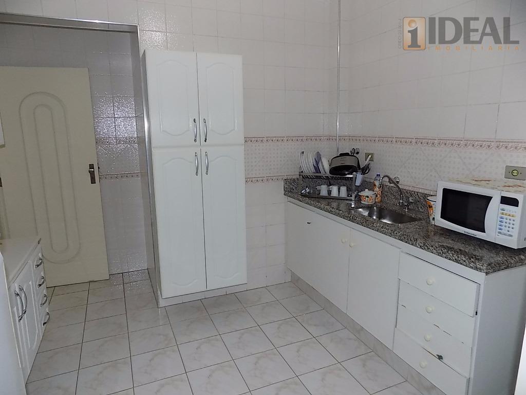 ótima localizaçãovazio, sala 2 ambientes, vista livre, sacada mobiliável, cozinha media com armários, área de serviço...
