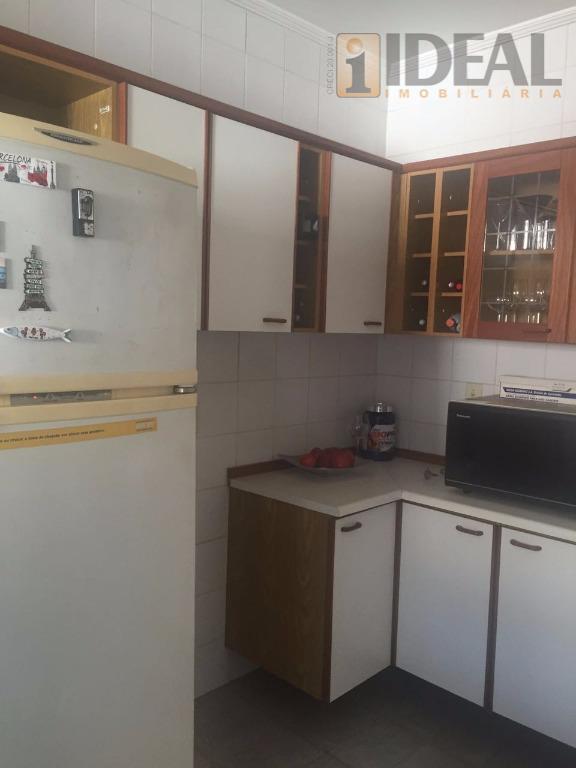apartamento bem localizado no gonzaga, com dois dormitórios sendo uma suíte,sala para dois ambientes com piso...