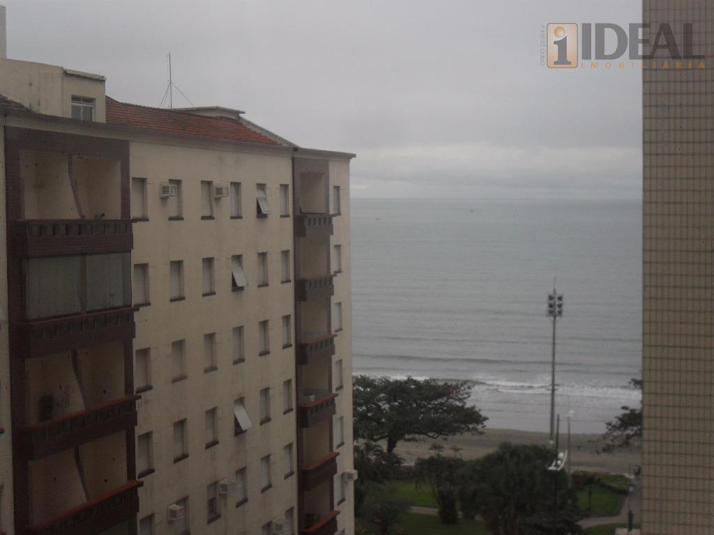 belíssimo imóvel no coração do bairro do embaré,03 dormitórios 02 suítes bem ampla.30 metros da praia,...