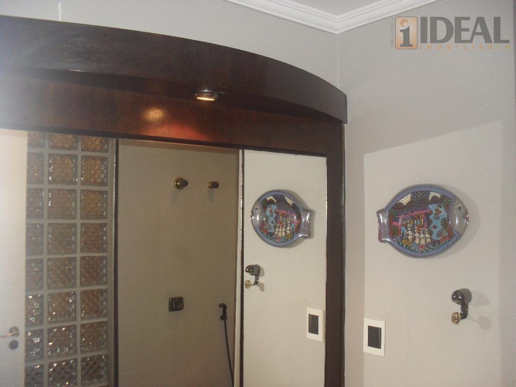 belíssimo apartamento com 3 amplos dormitórios (sendo 2 suítes) pisos laminados, living para 2 ambientes com...