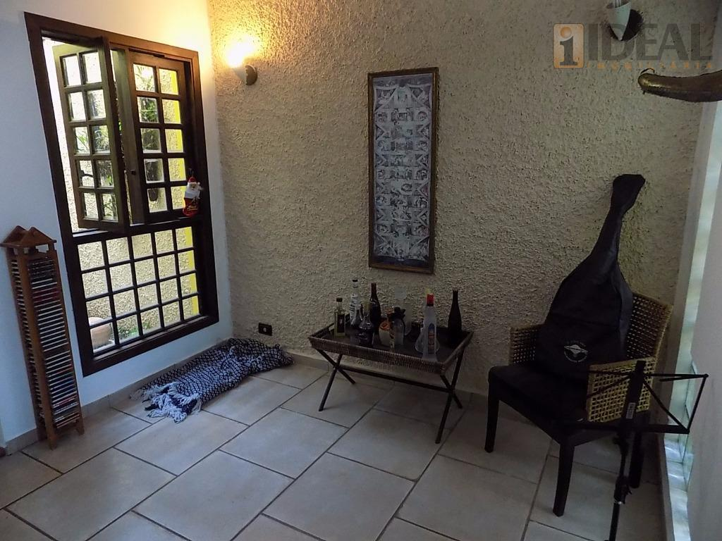 otimo sobrado bem localizado, com dois dormitorios uma suite e armarios, sala dois ambiente, jardim de...
