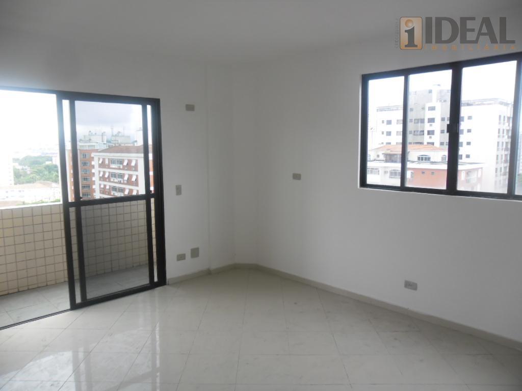 cobertura com 3 dormitórios, uma suíte, sala para 3 ambientes, em piso frio, sacada,cozinha planejada, dependência...