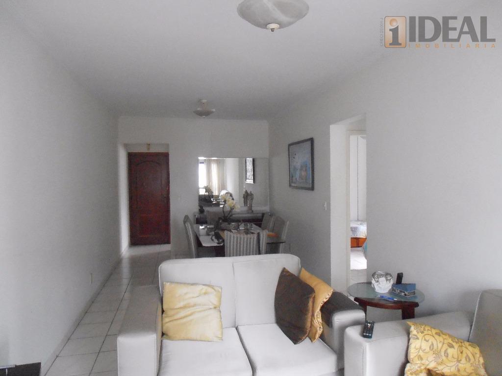 apartamento com dois dormitórios, dependência completa de empregada, garagem demarcada, no embaré. rico em armários, cozinha...