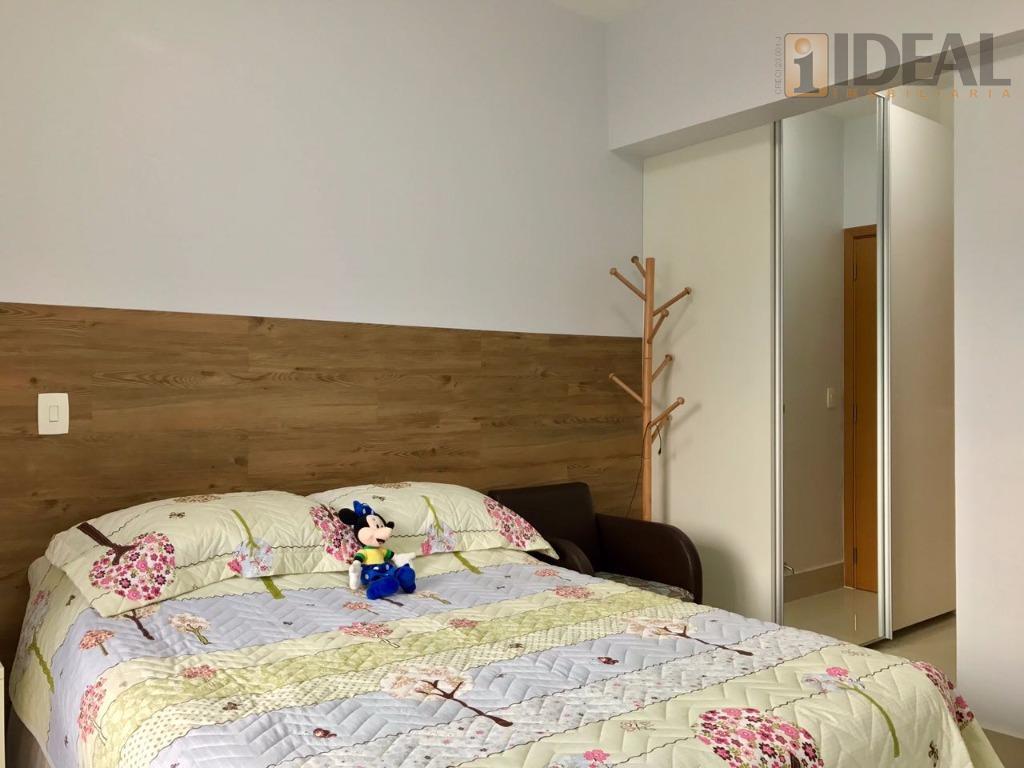 lindo apartamento com dois dormitórios, sendo duas suítes, lavabo, sala com sacada , fechamento vetro system,...