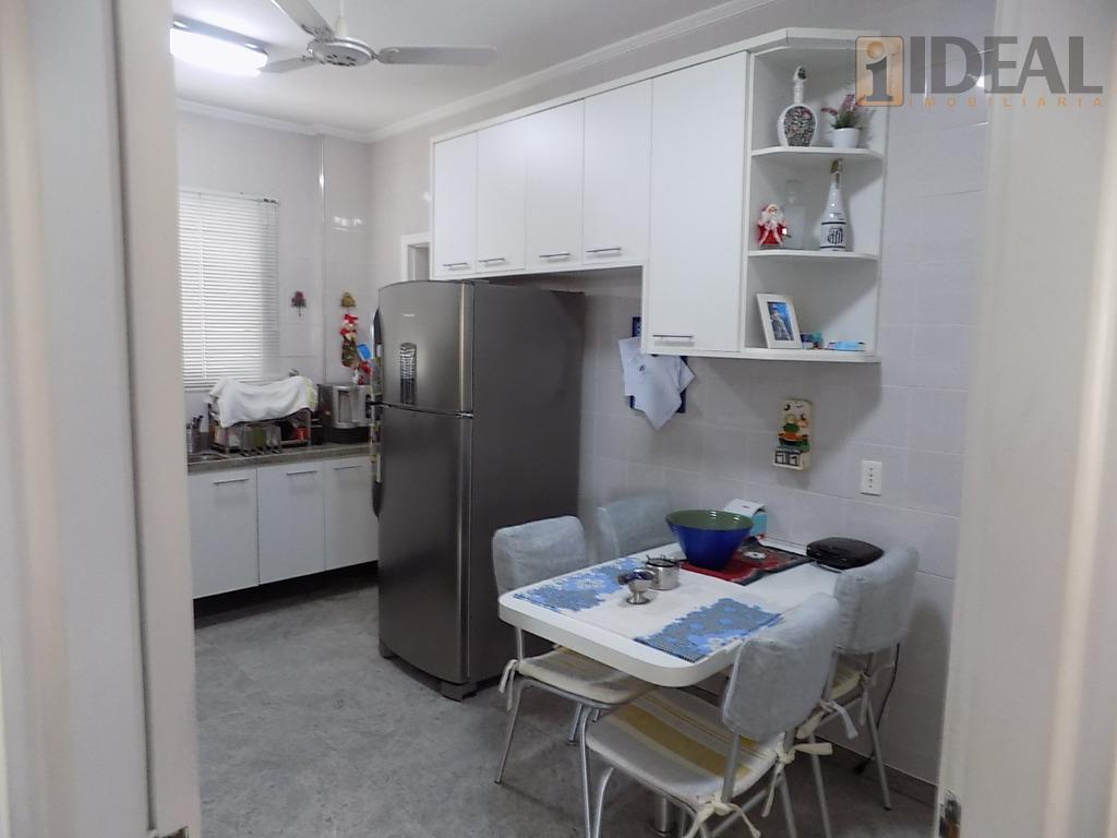 2 entradas3 dormitórios sendo 1 suite, sacada, armários embutidos.wc suíte com box e gabinete.sala para 3...