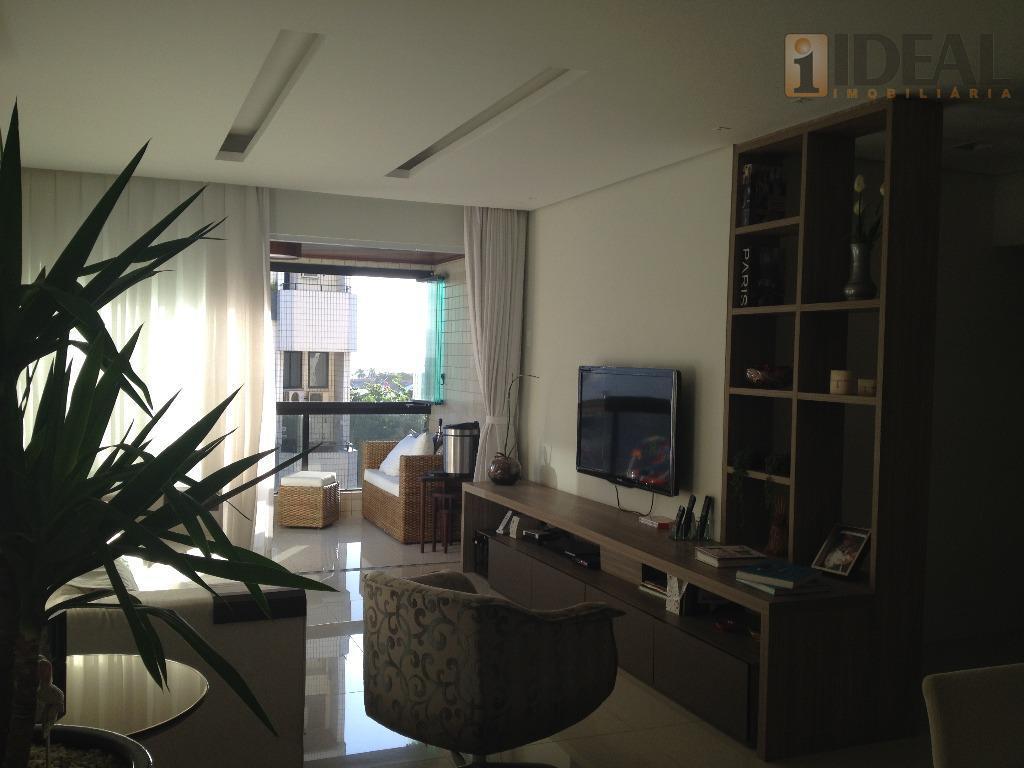 -lindo apartamento vista ao mar.-sala 3 ambientes com terraço-3 amplos dormitórios com pisos laminados-1 suíte tudo...