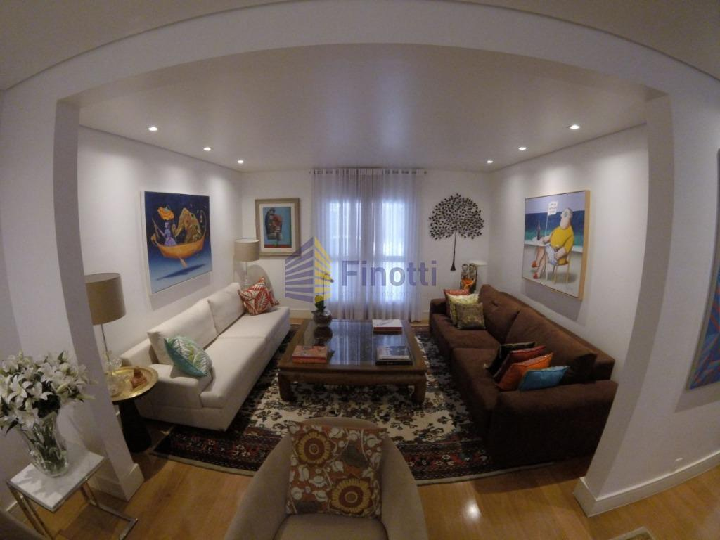 estilosa, com 4 suítes, sala íntima, home theater, excelente living para 4 ambientes, acabamento com materiais...