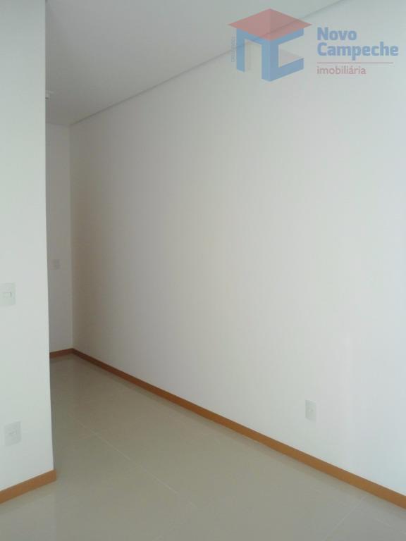 apartamento no campeche em região nobre.excelente apartamento com 2 dormitórios, sendo 1 suíte, banheiro social, sala...