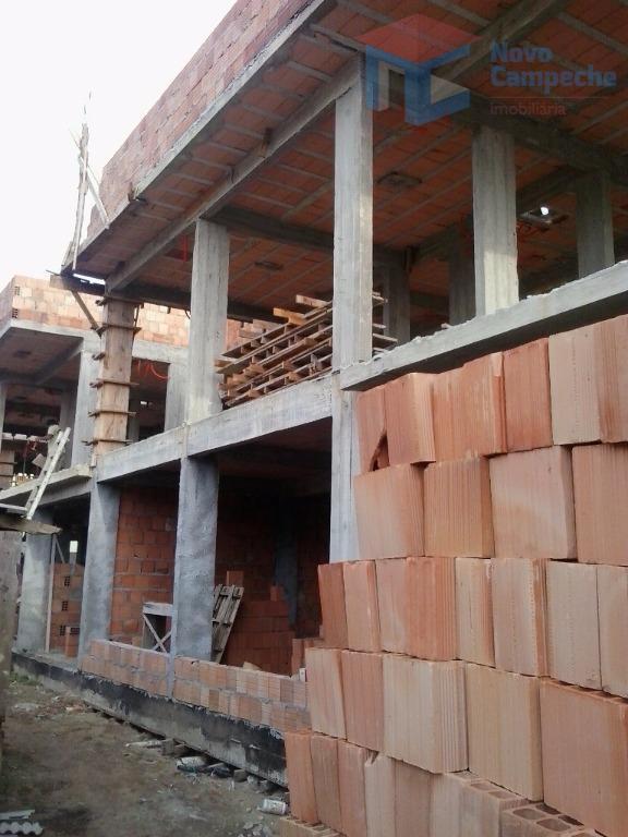 Casa no Rio Tavares com 3 dormitórios e terraço