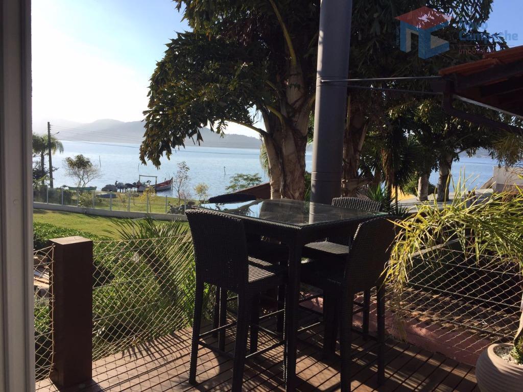 Linda Casa na Lagoa com vista