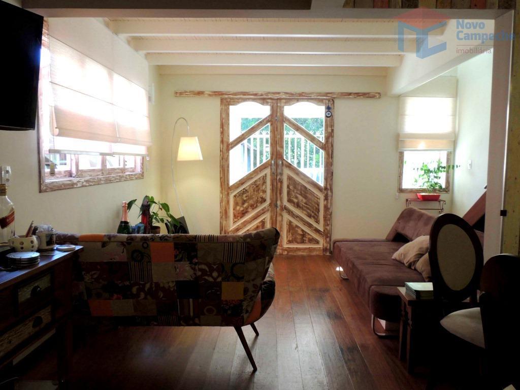 aconchegante residência localizada no coração do campeche.esta charmosa residência com vista para a natureza totalmente redecorada...