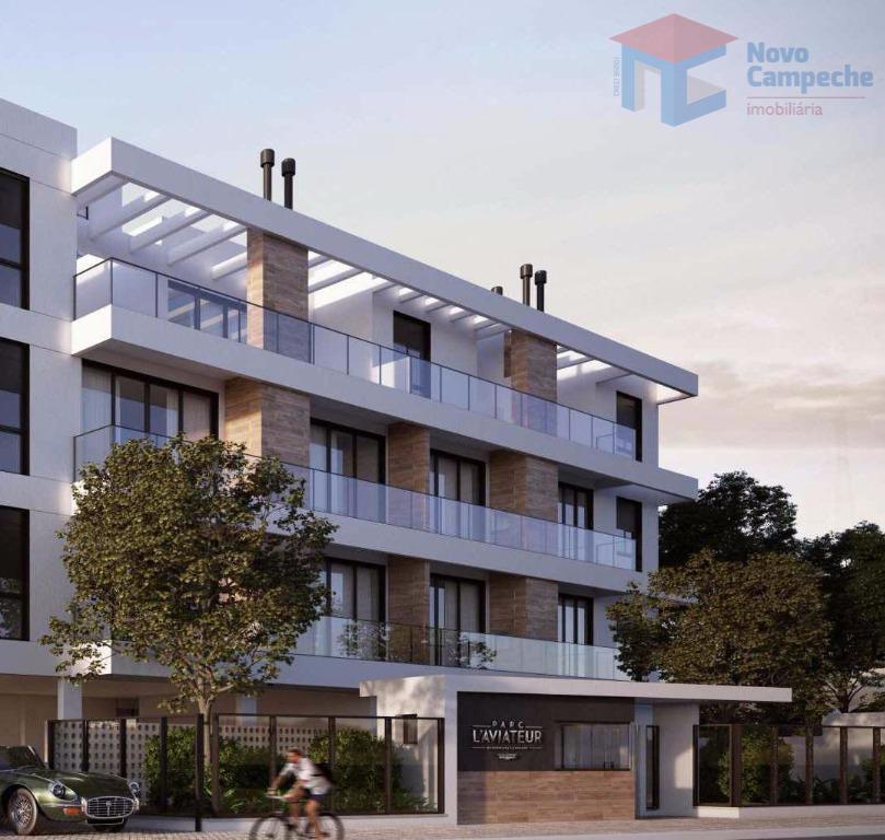apartamento em região nobre do campeche com vista para o mar.belíssima cobertura com 2 dormitórios sendo...