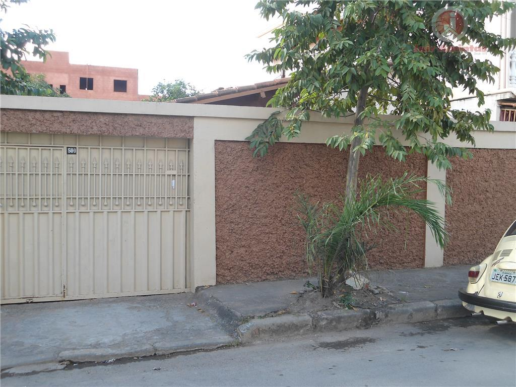 Casa residencial à venda, Vila Guilhermina, Montes Claros.