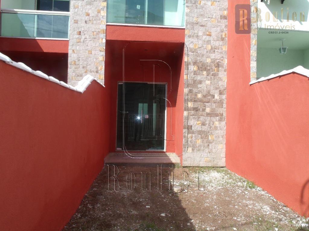 casa financiada com duas suítes e toda em porcelanato. e terrenos nos fundos - garagem dois...