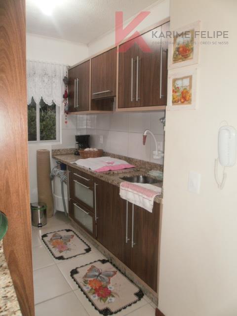 Lindo Apartamento com 2 quartos e garagem em São José/SC