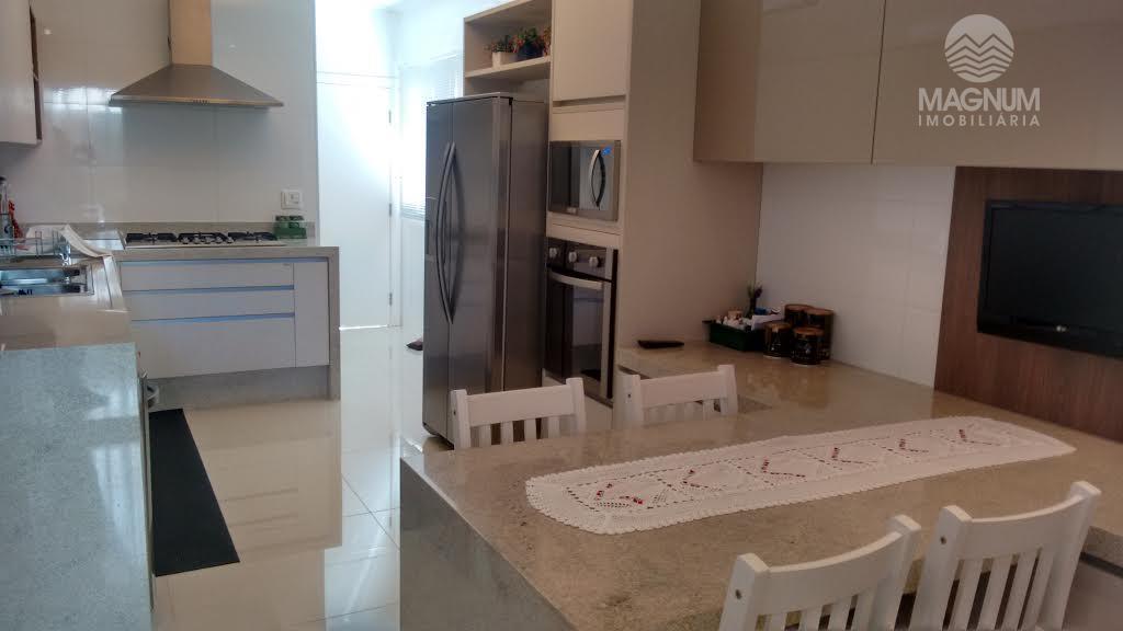 magnifico sobrado com fino acabamento, projeto do fabiano hayacaki.. contendo hidro, cozinha planejada, box nos wcs,...