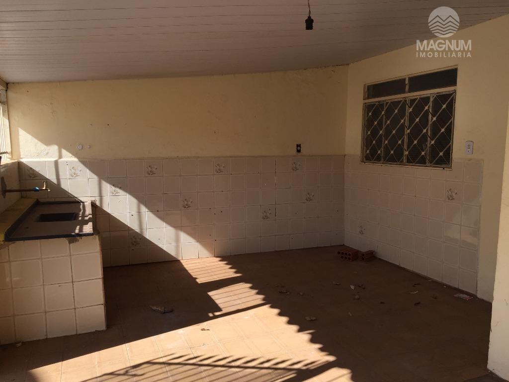 Casa de fundos 2 quartos Eldorado