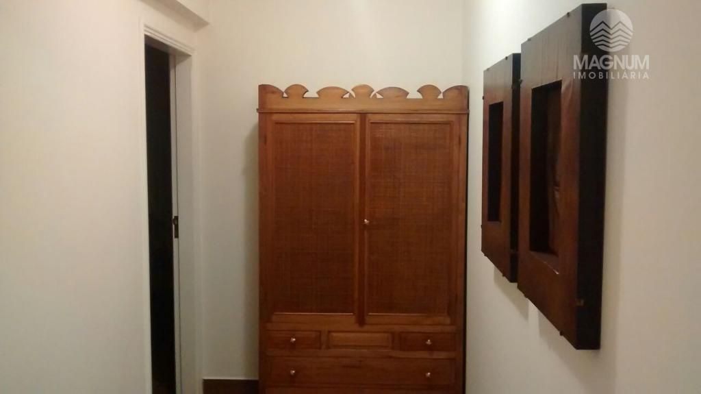 apto de alto padrão, reformado recentemente, muito bem conservado. rico em armários.  lindíssimo
